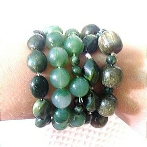 ••5/$25••     50 shades of green beaded stacking